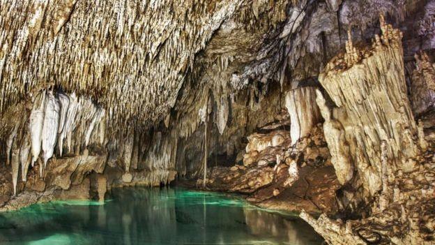 Cenotes são uma das principais atrações turísticas da Península de Yucatán, no México (Foto: WONDERLAND PROJECT via BBC News)