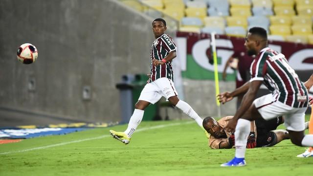 Kayky faz golaço em Fluminense x Nova Iguaçu