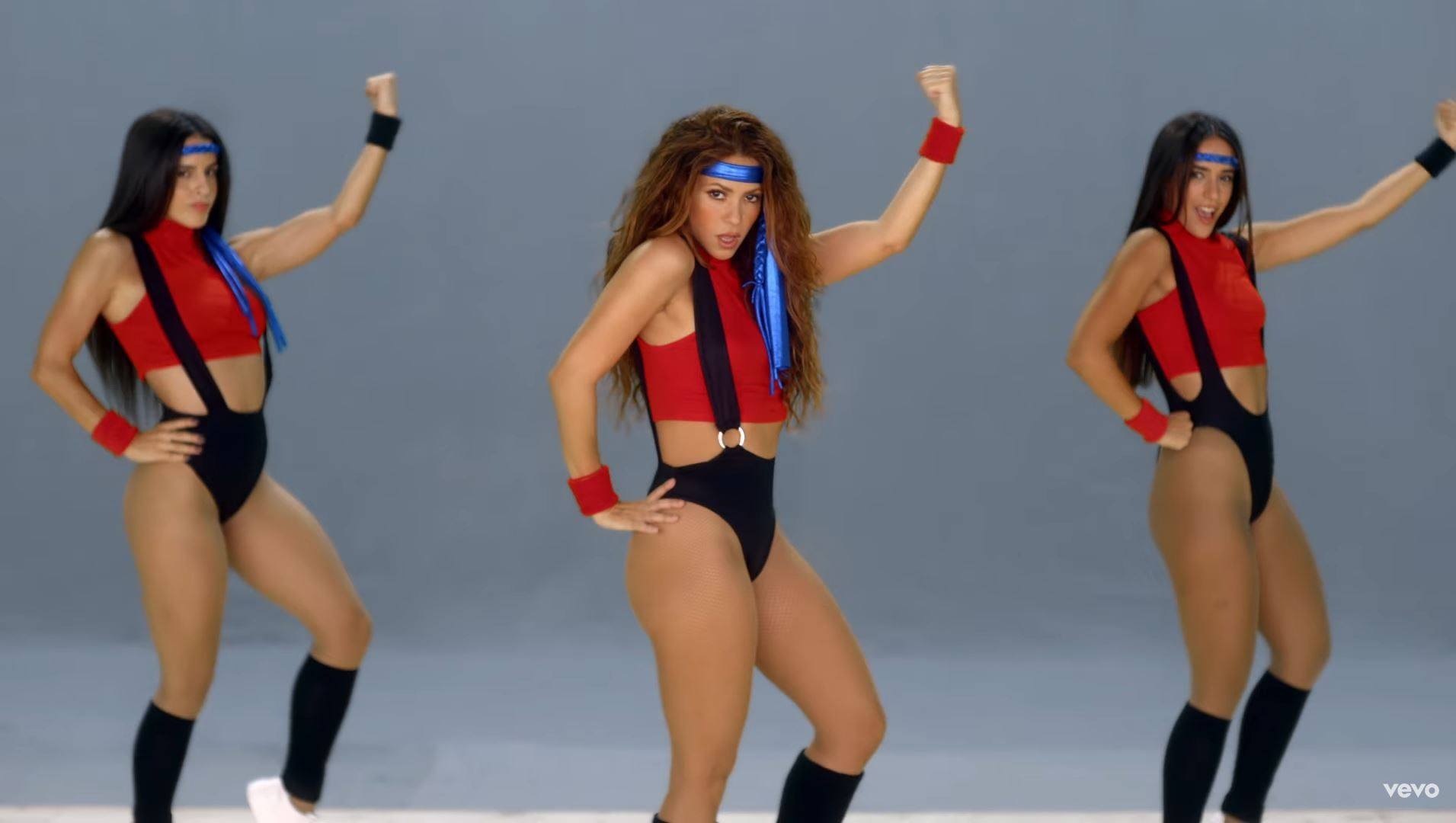Shakira arrasa com look anos 1980 para novo videoclipe do grupo Black Eyed Peas - Monet | Música