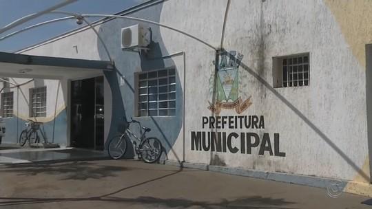 Secretário de Nova Independência preso por usar trator da prefeitura em obra particular é solto após pagar fiança