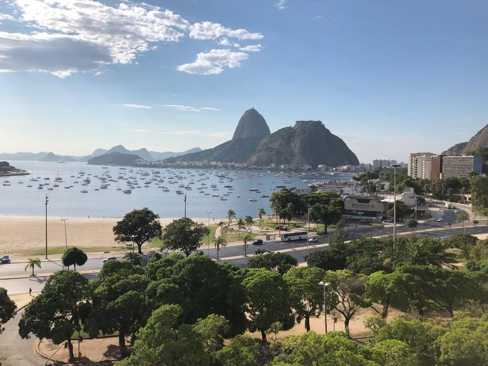 Enseada de Botafogo na manhã deste sábado (29) no Rio — Foto: Cristina Boeckel / G1