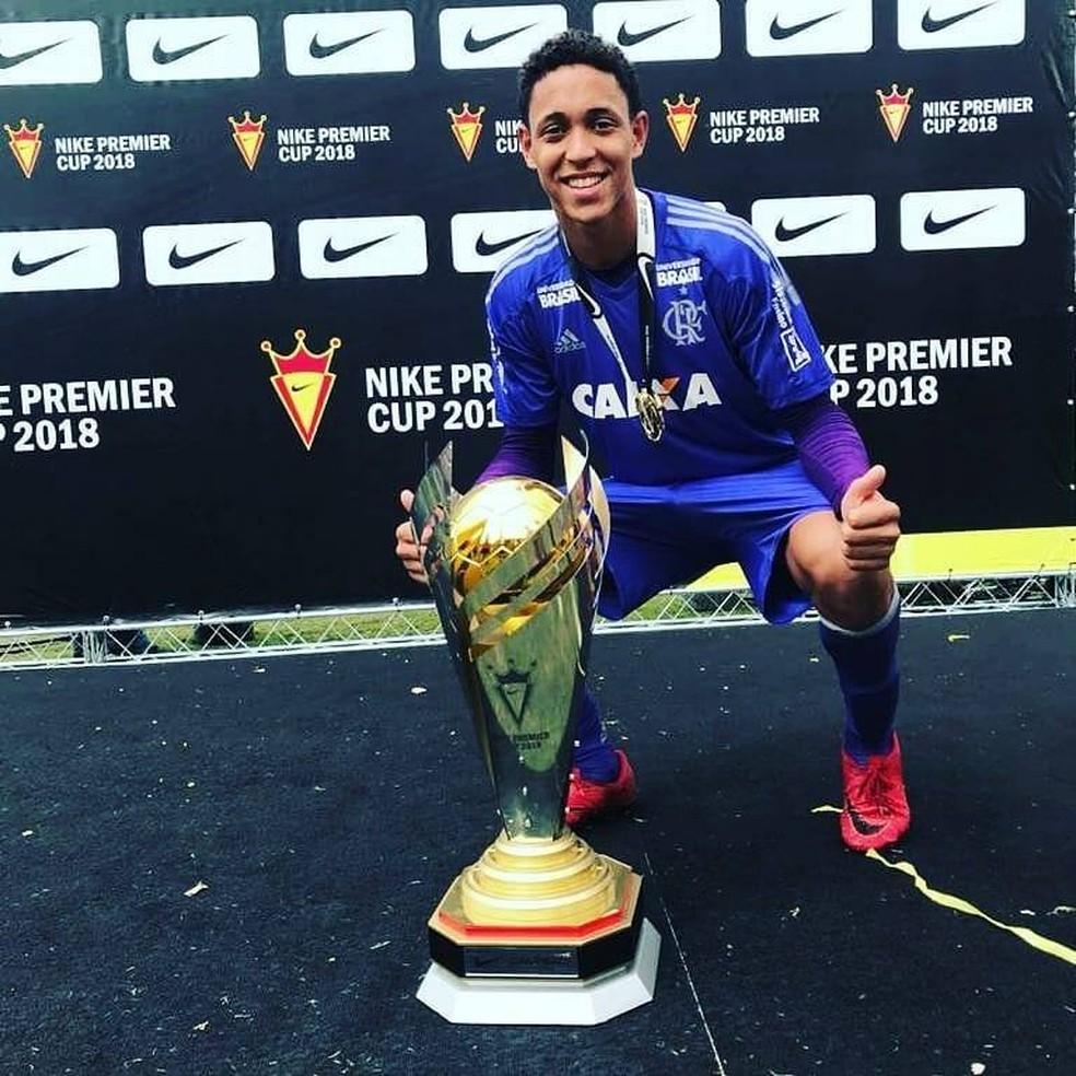 Christian era goleiro do time de base do Flamengo — Foto: Reprodução/Facebook