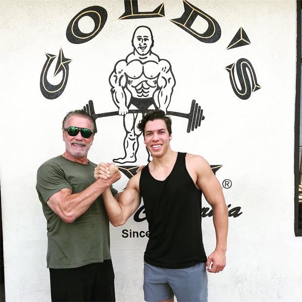 Arnold Schwarzenegger e Joseph Baena (Foto: Reprodução / Instagram)