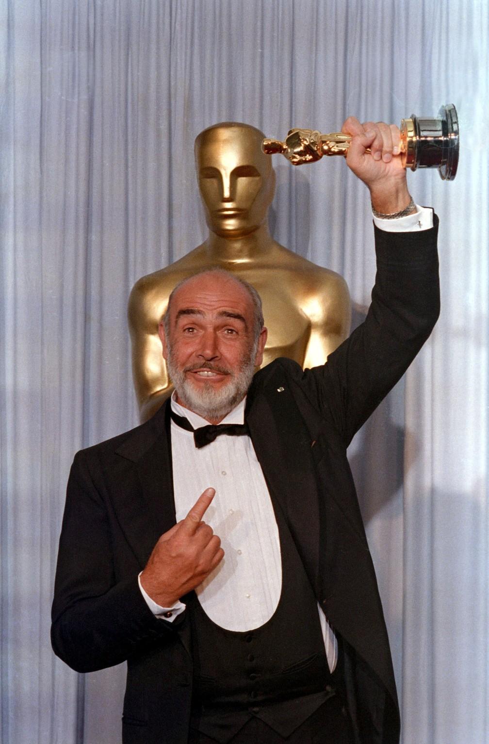 Em 1988, Sean Connery ganhou um Oscar por um papel coadjuvante no filme Os Intocáveis — Foto: Bob Riha/Reuters