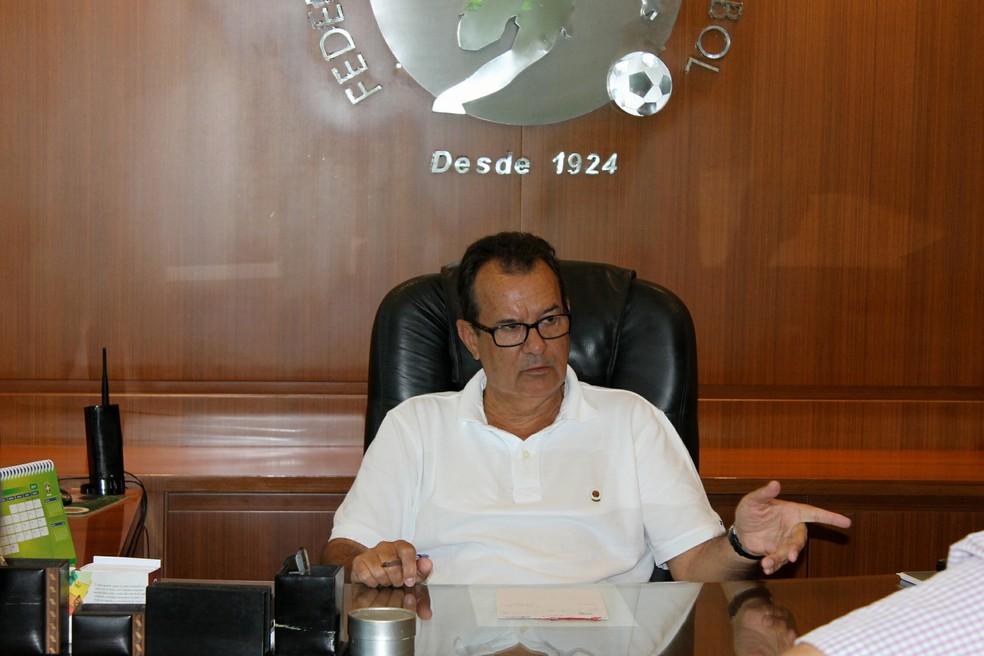 Rubens Angelotti, presidente da FCF, deixou em aberto a possibilidade de recurso — Foto: Marcelo Negreiros/FCF
