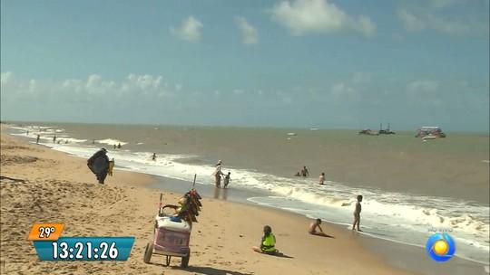Litoral da Paraíba tem oito praias impróprias para banho; maré alcança 2 m
