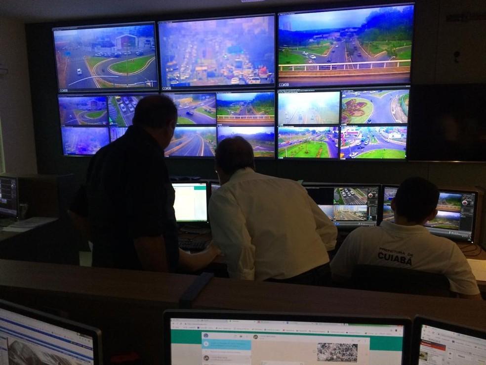 Cuiabá possui, atualmente, 15 câmeras de monitoramento de trânsito, com sistema OCR. — Foto: Detran-MT