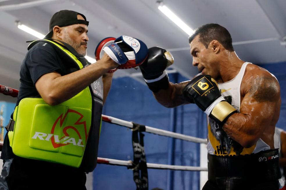 Vitor Belfort treina para retornar ao boxe após 15 anos — Foto: Michael Reaves/Getty Images