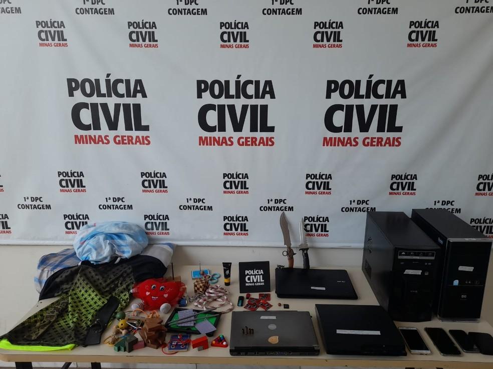 Material apreendido na casa do suspeito, de 31 anos, no momento da prisão, em Contagem, na Grande BH.— Foto: Polícia Civil de Minas Gerais