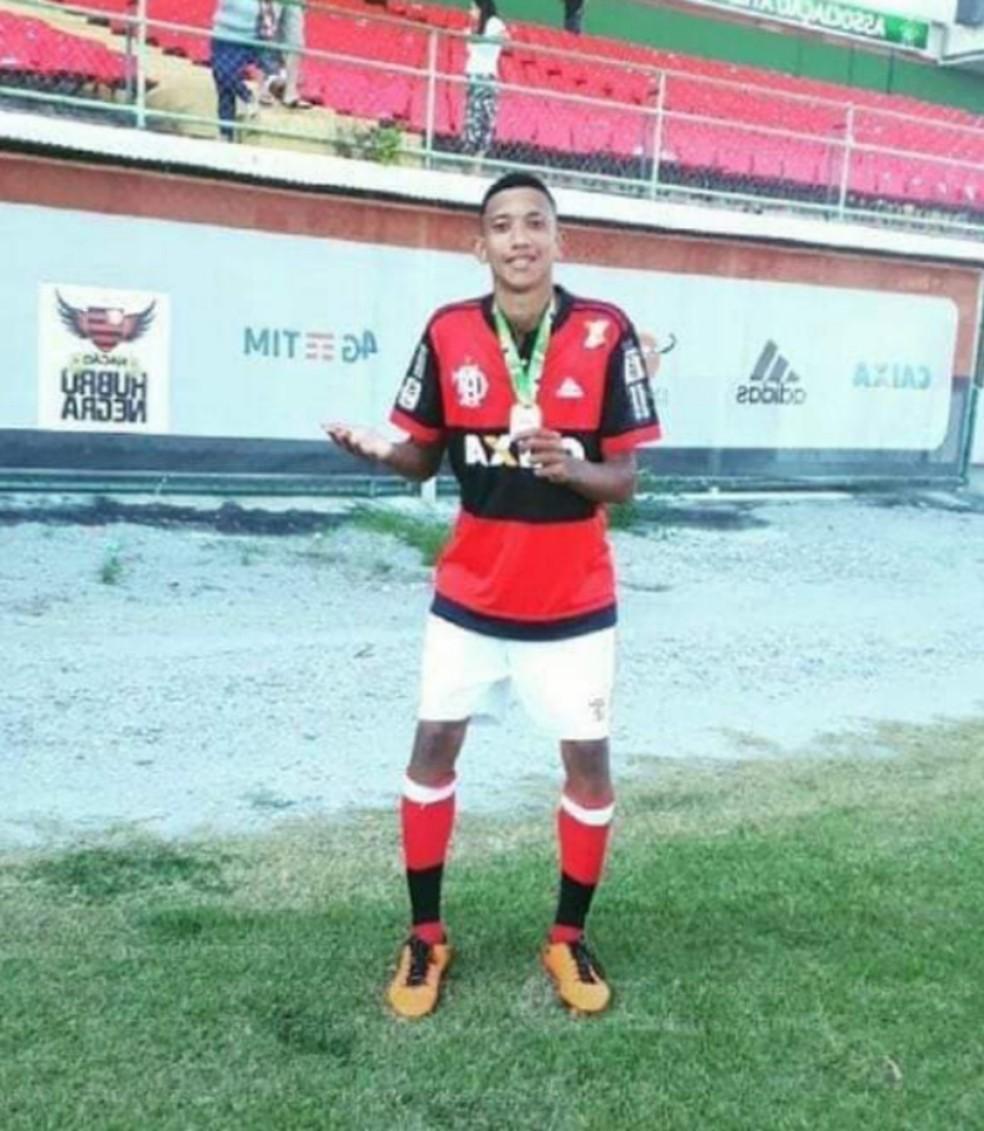 Athila Paixão, jogador da base do Flamengo, é uma das vítimas do incêndio do CT — Foto: Reprodução