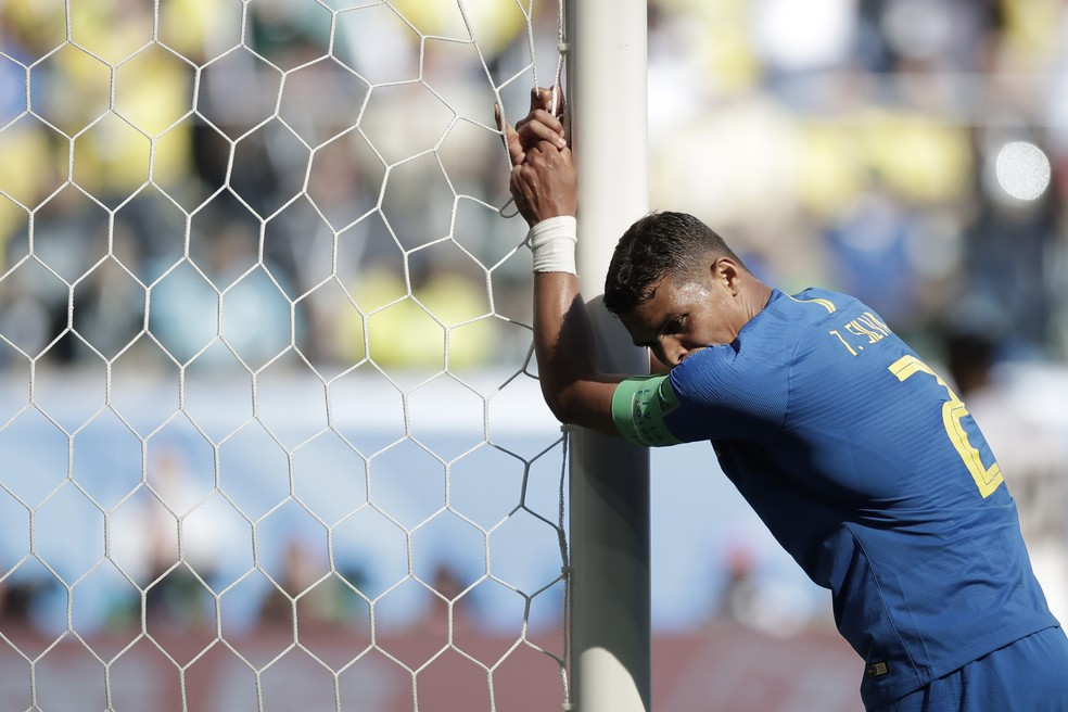 Thiago Silva comemorou a vitória que tira peso das costas da Seleção c6784cb86cdad