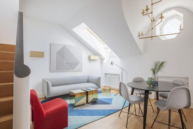 Decoração minimalista e cheia de luz em apê de 100 m² (Foto: FOTOS YURI GRISHKO )