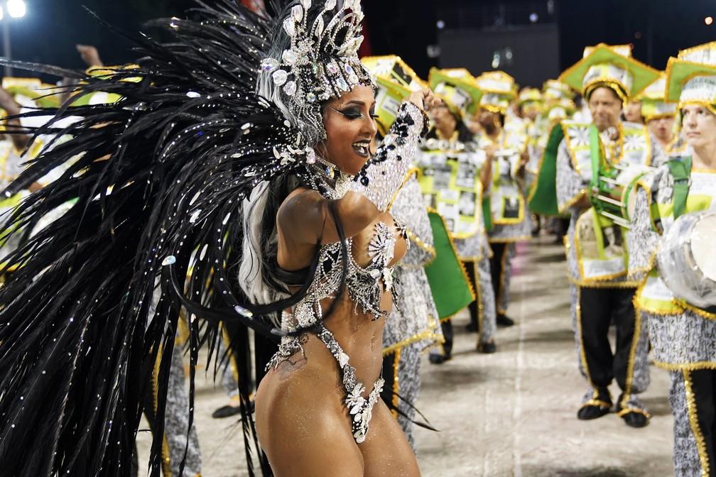 Laynara Teles, rainha de bateria da Império da Tijuca — Foto: Marcos Serra Lima/G1