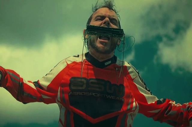 Matheus Nachtergaele no filme 'Carro rei' (Foto: Divulgação)