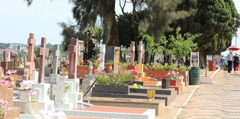 Dia dos Pais: São Carlos amplia o horário de visitação aos cemitérios de sexta a domingo