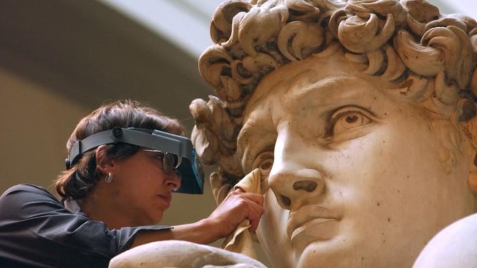 A famosa escultura de David, de Miguelângelo, de 1504, foi inspirada na arte antiga — Foto: Getty Images via BBC