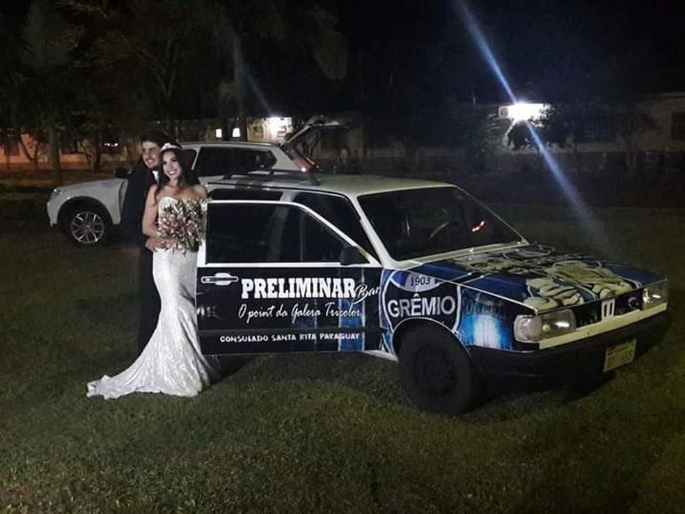 Veículo com cores do Grêmio em casamento no Paraguai — Foto: Arquivo pessoal