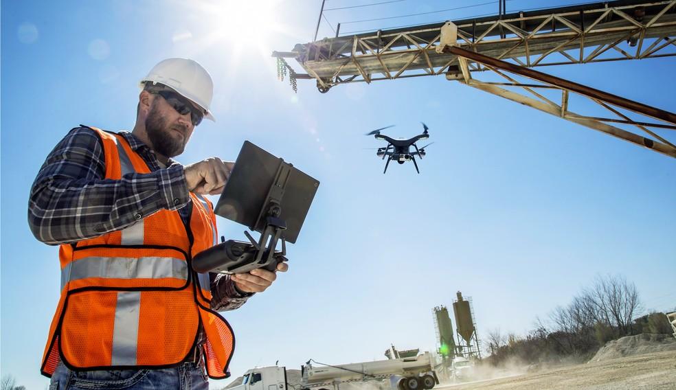 Construtoras já usam drones no mapeamento de informações de obras — Foto: Reprodução / Fortune