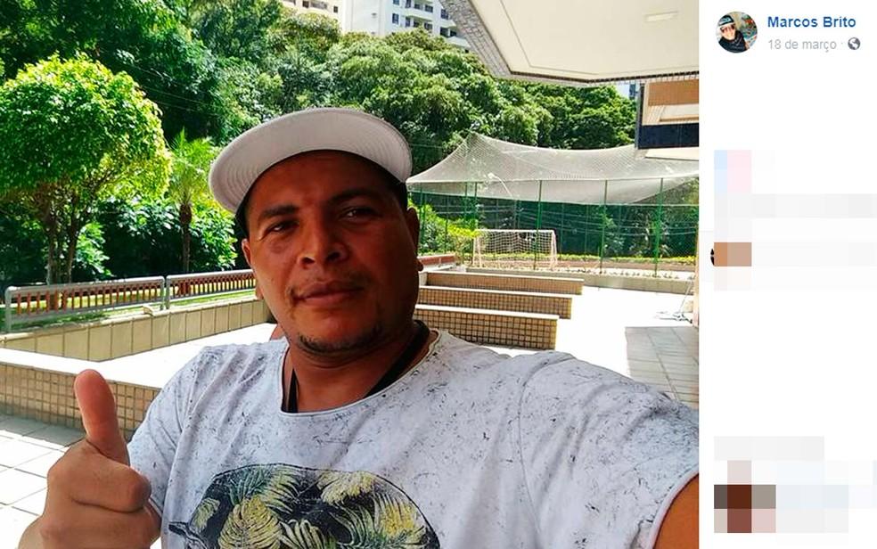 Marcos Brito foi uma da vítimas do acidente entre ônibus e carreta na Bahia — Foto: Reprodução/Facebook