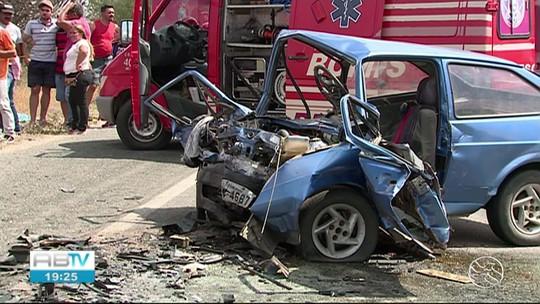 Cinco pessoas morrem em acidente de carro em Taquaritinga do Norte