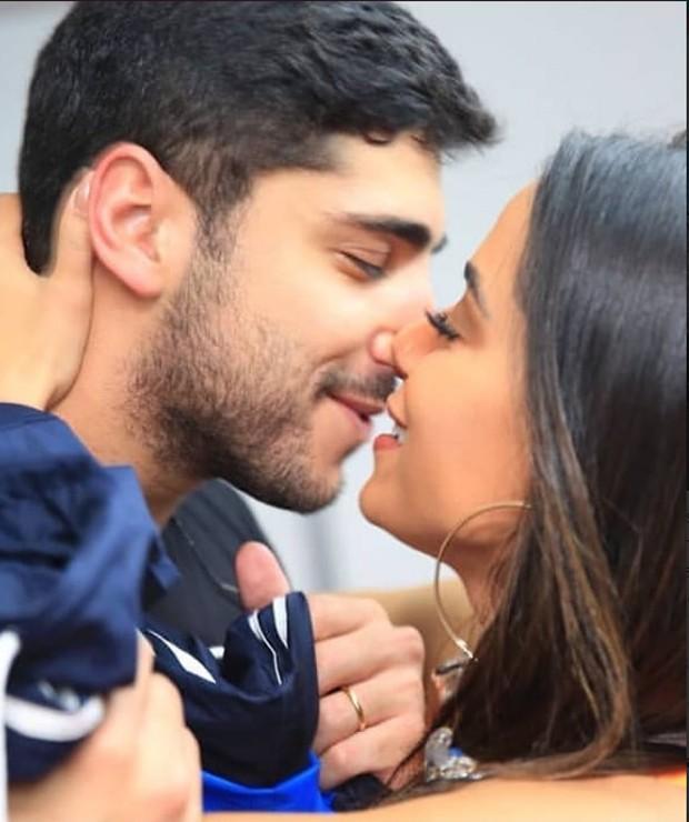 Anitta e o namorado  (Foto: reprodução / Instagram)