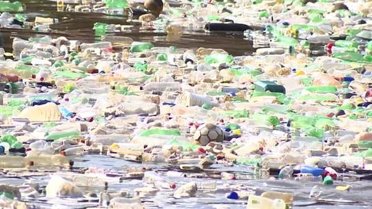 Poluição plástica é desafio mundial