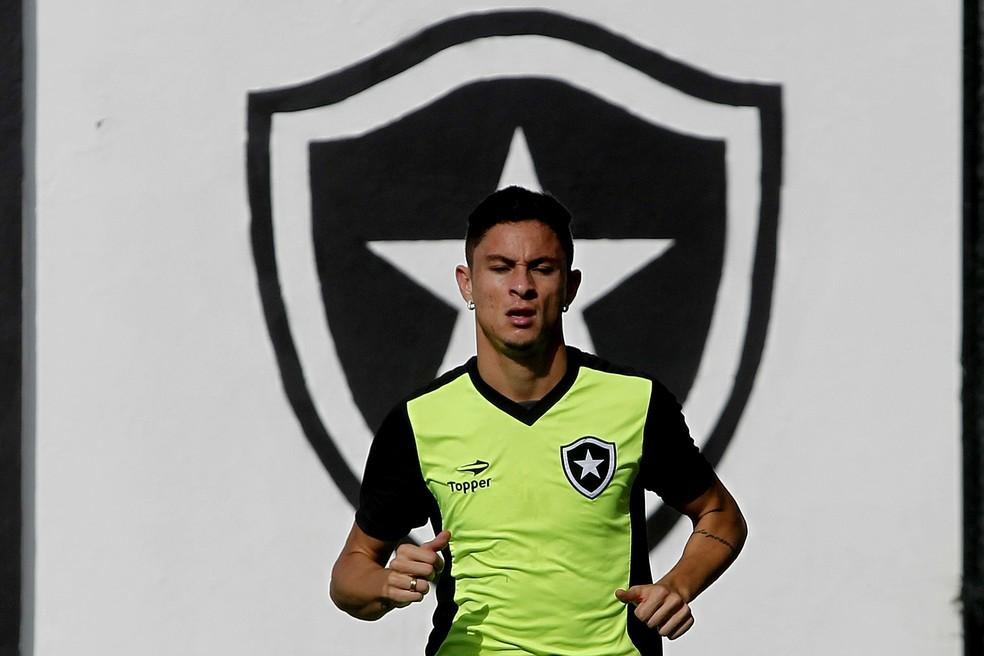 Comprado pelo Palmeiras por R$ 5,8 mi, Diogo é o ala mais caro do país (Foto: Vitor Silva/SSPress/Botafogo)