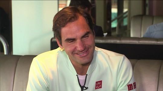 """Guga faz convite, mas Roger Federer vê chance remota de jogar no Brasil: """"Não posso prometer"""""""