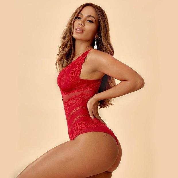 Anitta em campanha de lingerie (Foto: Divulgação/Hope)