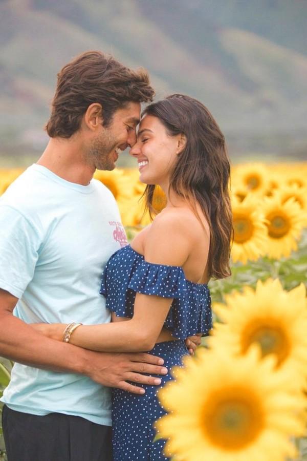 Isis Valverde com o noivo, André Resende (Foto: Reprodução)