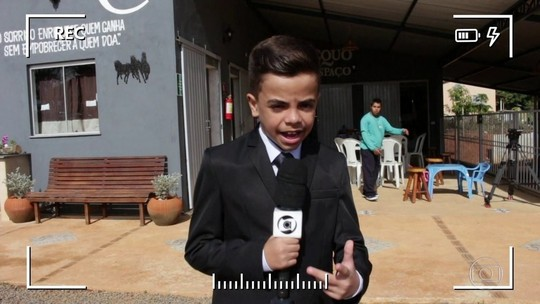 Apaixonado por jornalismo, menino de 11 anos faz reportagens em MG