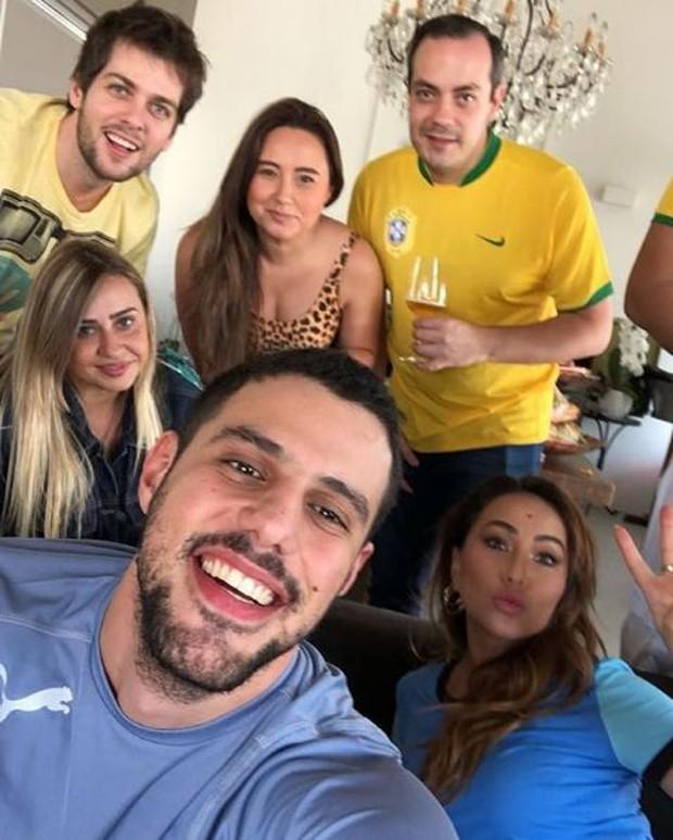 Sabrina Sato com família e amigos em casa (Foto: Reprodução/Instagram)