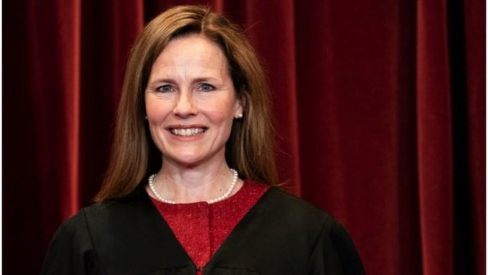 Chegada da juíza Amy Coney Barrett, indicada por Donald Trump, mudou equilíbrio entre conservadores e liberais na Suprema Corte — Foto: Reuters/Via BBC
