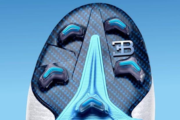 Chuteira Cristiano Ronaldo Bugatti e Nike (Foto: Instagram/Gunt22)