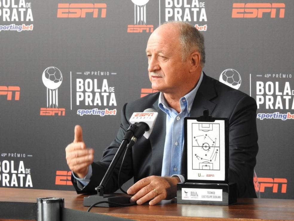 Felipão, do Palmeiras, é premiado como melhor técnico do Brasileirão — Foto: Felipe Zito