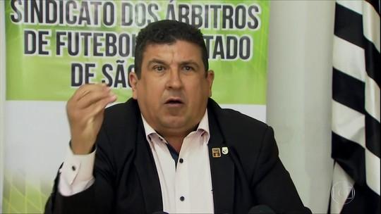 """Sindicato relata ameaças a árbitros da final do Paulistão e vê Palmeiras """"transferindo responsabilidade"""""""