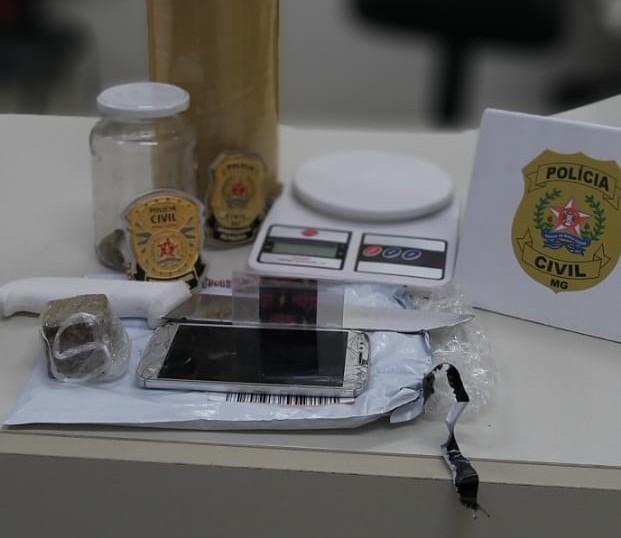 Jovem é preso ao receber drogas pelos Correios em Pouso Alegre, MG