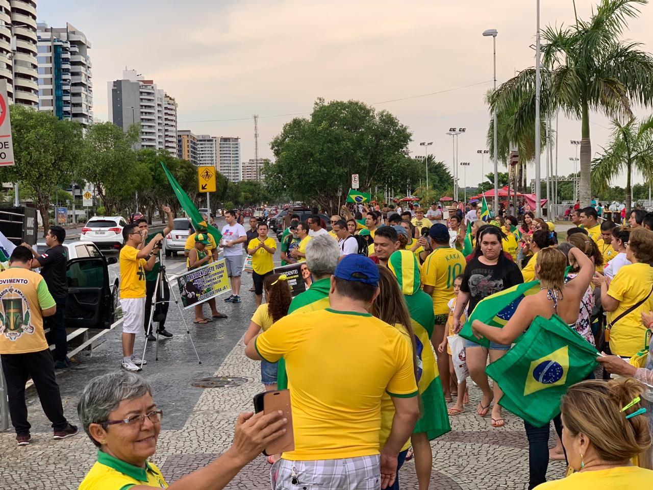 Manifestantes fazem ato a favor da Lava Jato e contra a lei de abuso de autoridade em Manaus - Notícias - Plantão Diário