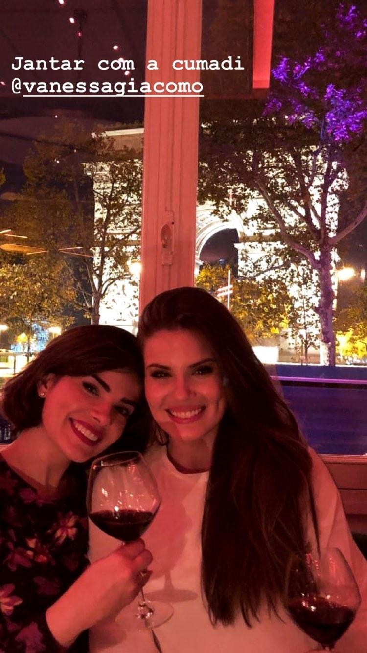 Camila Queiroz e Vanessa Giacomo (Foto: Reprodução / Instagram)