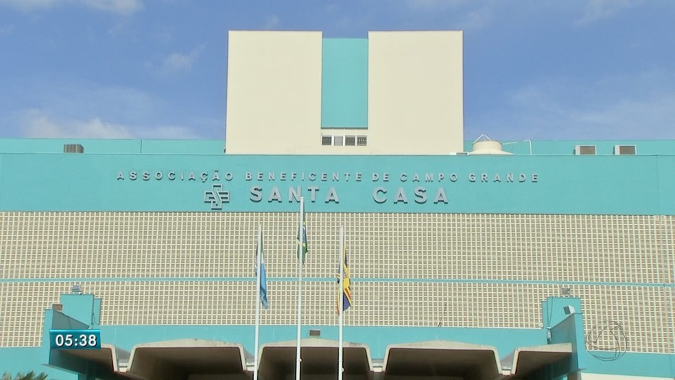 Motociclista foi levado para a Santa Casa de Campo Grande, MS  Foto: Reprodução/ TV Morena