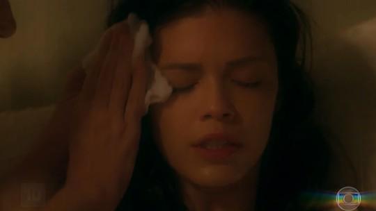 Julia dá à luz, e capítulo de 'Espelho da Vida' 'movimenta' web; reveja as cenas