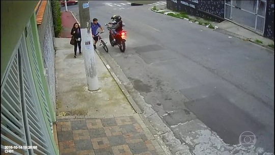Polícia tenta identificar dois bandidos que mataram jovem em Osasco, em São Paulo