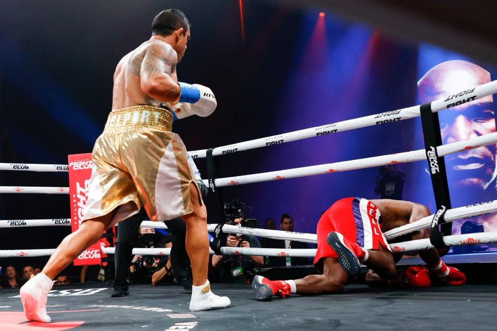 Vitor Belfort x Evander Hollyfield boxe — Foto: Douglas P. DeFelice/Getty Images