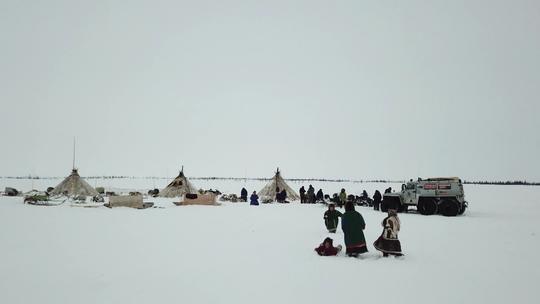 Luciano Huck vai ao 'fim do mundo' na Rússia para conhecer povo nômade e encara frio de -29ºC