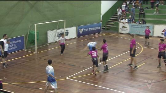 Arena Santos recebe as finais da 13ª Copa TV Tribuna de Handebol Escolar