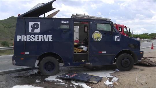 Operação busca suspeitos de roubar bancos e carros-fortes em PE e na PB