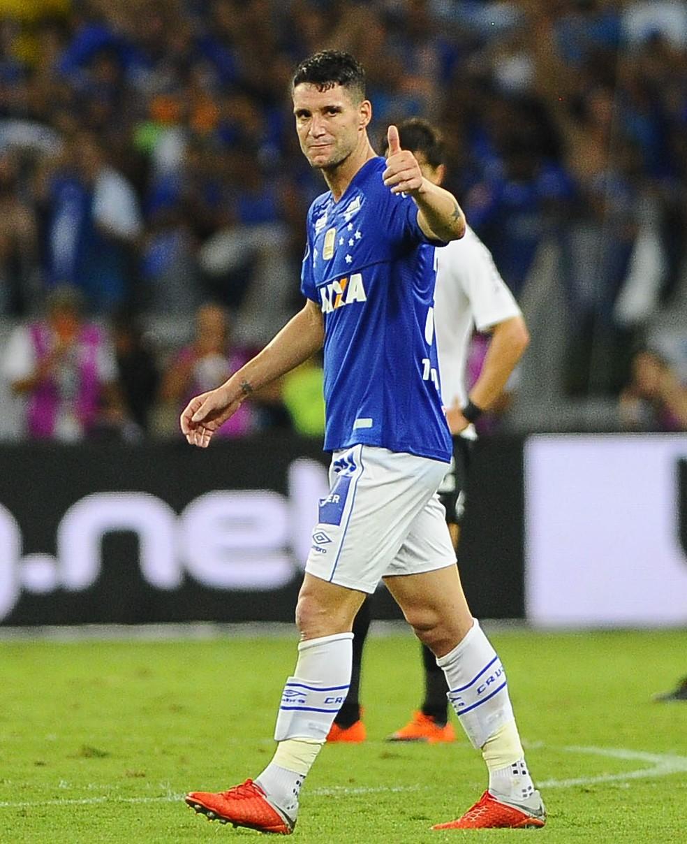 2714de8422eb8 ... Thiago Neves tem contrato até o final da temporada — Foto  Marcos  Ribolli