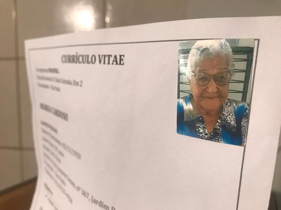 Idosa de 101 anos fez currículo para trabalhar e comprar vinhos em Promissão — Foto: Rafael Ferraz/TV TEM
