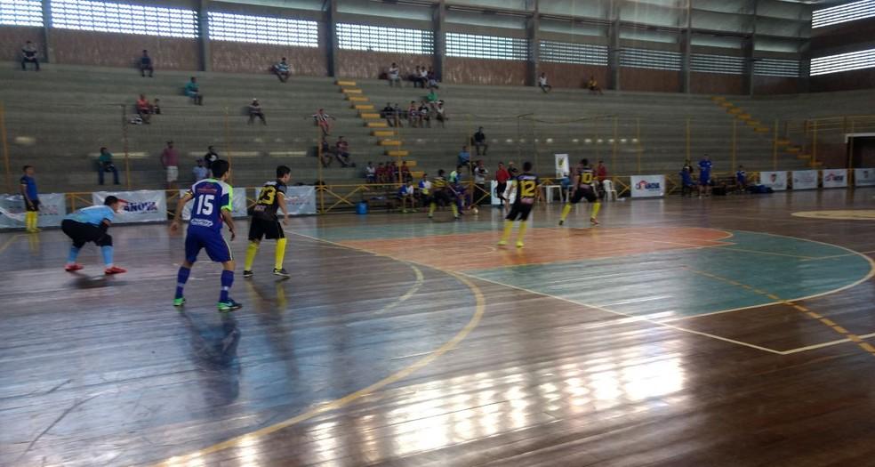 Brejo e Riacho brigaram por posições (Foto: José Jaime / TV Asa Branca)