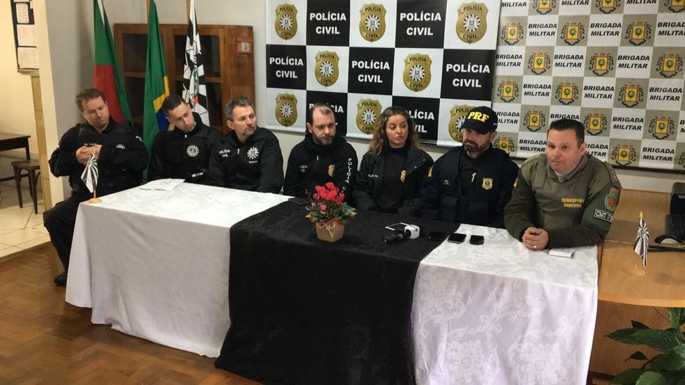 Operação contou com o apoio das polícias Civil, Rodoviária Federal e Brigada Militar. (Foto: Gabriel Garcia/RBS TV)